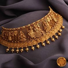 Gold Bridal Jewellery Sets, Gold Temple Jewellery, Indian Jewelry Sets, Indian Wedding Jewelry, Gold Jewellery Design, Gold Jewelry, Indian Bridal, Gold Choker Necklace, Short Necklace