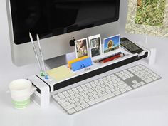 iStick desk organizer with USB hub and card reader. Brilliant.
