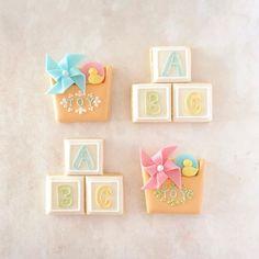 Instagram photo by fiocco_cookies - 『Toys』🚗🤖🎾 ・ 5月のレッスンは「子供の日」にちなんでおもちゃがテーマです✨ ・ 近日中に告知開始いたします😊 ・ ・ #icingcookies#sugarcookies #decoratedcookies#icedbiscuits #edibleart#instacookies #pinwheel#toyblocks #toychest #fiocco_cookies #アイシングクッキー #アイシングクッキー教室 #アイシングクッキーレッスン #風車#おもちゃ#子供の日