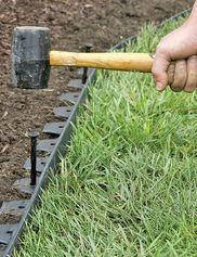 No-Dig Garden Edging Creates Tidy Borders