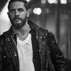 Tom Hardy dressed in our wax-cotton Roadmaster as he stars in Hyundai's new adverti campaign. Hello Gorgeous, Beautiful Men, Beautiful People, Tom Hardy Variations, Tom Hardy Hot, Tom Hardy Baby, Baby Toms, My Tom, Thing 1