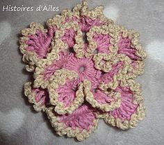 with tuto http://www.histoires-d-ailes.com/article-le-tuto-de-ma-fleur-113227765.html