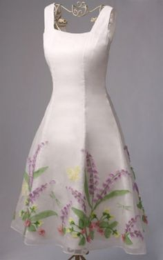Ribbon Embroidery Tutorial | This tutorial illustrates the potential of using machine embroidery as ... Gorgeous dress!