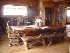 Rustic Furniture   cool rustic dining room table