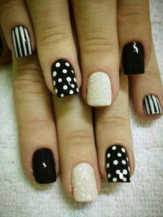 Black White Glittering #stripes #dots #Nailart #nails #manicure