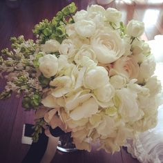 ♡ブーケ♡直前になって花材が手に入らないかもしれない危機を乗り越えて、私の元へやって来てくれました♡