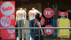 Startschuss zum Schlussverkauf: Händler locken mit kräftigen Rabatten