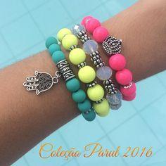 Nenhuma descrição de foto disponível. Little Girl Fashion, Gifts For Mom, Beaded Bracelets, Crafty, Jewelry, Style, Cute Bracelets, Kids Bracelets, Pink Stone