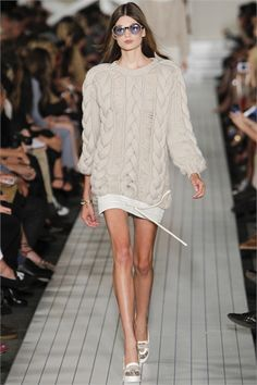 I love this sweater!   Look 33 Tommy Hilfiger New York - Spring 2013 #sweater
