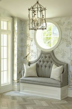 Love this for the foyer.if I had a foyer! Design Entrée, House Design, Interior Design, Design Ideas, Design Hotel, Elle Decor, Hand Painted Wallpaper, Silk Wallpaper, Wallpaper Ideas