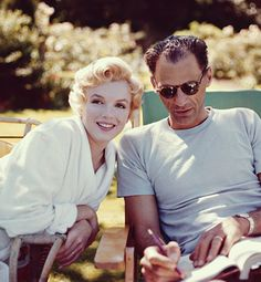 Arthur Miller and Marilyn Monroe. The only man in her life who ever treated her well. Such a shame they could never have children. They probably never would have gotten divorced. --Sezin