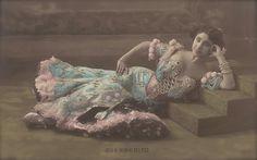 Guerrerito, Belle Epoque Spanish Theatre Actress Luxurious Burlesque Bejeweled Dress La Belle Otero-Mata Hari Style Original 1900s Postcard