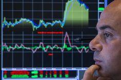 Ajustes econômicos e problemas políticos afetam o mercado, diz economista - http://po.st/9aC1aY  #Economia - #AjustesmICCE, #Indicadores, #Taxas