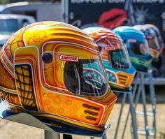 Simpson Motorcycle Helmets - Top 10 on Instagram Retro Motorcycle Helmets, Motorcycle Paint Jobs, Motorcycle Gear, Bike Helmets, Women Motorcycle, Cool Motorcycles, Vintage Motorcycles, Simpson Helmets, Arai Helmets