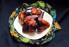 Személy szerint bármilyen formában nagyon kedvelem a csirkeszárnyat.   Ez a nagyon egyszerű kis pác teljesen elvarázsolta a semleges csirk... Tandoori Chicken, Bacon, Ethnic Recipes, Food, Essen, Meals, Yemek, Pork Belly, Eten