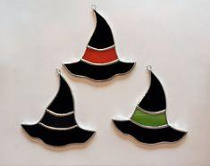 Suncatcher de sombrero de la bruja de vidrio hecho a mano
