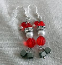 Santa Claus Earrings Christmas Gift Holiday Jewelry by LaBelleBead holiday hats Beaded Jewelry, Handmade Jewelry, Silver Jewelry, Barrettes, Christmas Jewelry, Etsy Christmas, Christmas Nails, Christmas Earrings, Beads And Wire