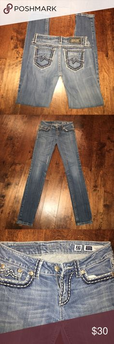 MISS ME Skinny MISS ME Sunny Skinny w27 x 33 1/2 inseam. Cute jeans!! Great condition Miss Me Pants Skinny