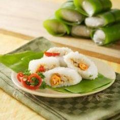 Resep Kue Lemper dan Aneka Resep Kue Basah Yang Nikmat Dan Menggiurkan Indonesian Desserts, Resep Cake, Sushi, Food Photography, Cooking, Ethnic Recipes, Kitchen, Brewing, Cuisine