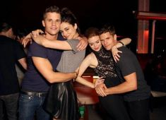 max and charlie carver | ... Con 2013 : Charlie Carver, Crystal Reed, Holland Roden et Max Carver
