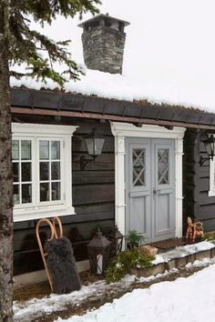 New House Exterior Cute Doors 69 Ideas Exterior House Colors, Exterior Doors, Exterior Design, Gray Exterior, Door Design, House Design, String Lights In The Bedroom, Cosy Home, Log Cabin Homes