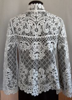 Back view of prior pin....beautiful lace jacket. (aw)  Одноклассники