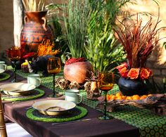 Traditional african wedding decor. Zulu wedding. Traditional wedding ideas. African wedding centerpieces. Shweshwe prints. www.secundatents.com