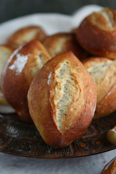 Weizenbrötchen - German Hard Rolls with Poolish Create Perfect Melt In The Mouth Dinner Rolls Cookin German Bread, German Baking, Bread Recipes, Baking Recipes, Easy Recipes, Hard Rolls, Bread Bun, Bread And Pastries, Artisan Bread