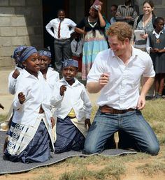Prince Harry dances with deaf children during at visit to the Kananelo Centre for the deaf, a project supported by his charity Sentebale on February 2013 in Maseru, Lesotho. Sentebale is a. Get premium, high resolution news photos at Getty Images Prince Harry Et Meghan, Prince Harry Photos, Prince Henry, Prince William, Royal Prince, Princess Meghan, Princesa Diana, Lady Diana, Major Lazer Dj Snake