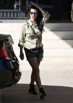 Kourtney Kardashian Photos - Kourtney Kardashian Shopping At Barneys New York - Zimbio