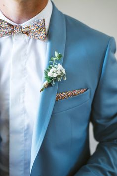 These are some most vital options of Spring Wedding Groomsmen Attire to make your spring more enjoyable. Click and choose an idea you would like. Wedding Men, Wedding Groom, Wedding Suits, Wedding Attire, Chic Wedding, Wedding Styles, Wedding Dresses, Wedding Rings, Mens Attire