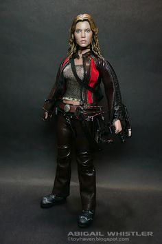 """toyhaven: REVIEW III: Jessica Biel as Abigail Whistler from """"Blade: Trinity"""" by Hot Toys"""