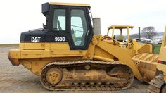 2000 Cat Caterpillar 953C Crawler Track Loader for sale at www.quesalesinc.com for $39,000.00