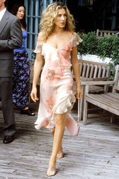 Carrie Bradshaw Dresses We Want To See Again In Sex And The City 3  http://www.huffingtonpost.co.uk/2015/05/12/carrie-bradshaw-best-dresses_n_7265772.html?ncid=engmodushpmg00000005