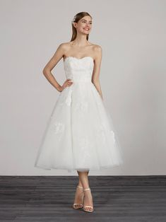 Pronovias Marile, a short, lace with tulle wedding dress at Brides of Chester. Ankle Length Wedding Dress, Corset Back Wedding Dress, Short Lace Wedding Dress, Tulle Wedding, Pronovias Dresses, Pronovias Wedding Dress, Seductive Dress, Tea Length Dresses, Bridal Dresses