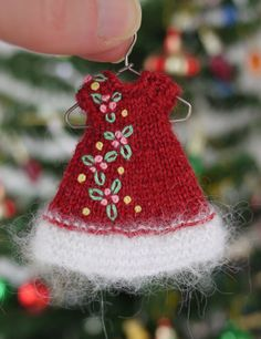 "Hand knit elf dress embroidered with teeny tiny holly for 4"" Amelia Thimble dolls.  cindyricedesigns.com"