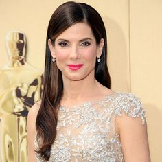 Simple, real, funny, authentic ( for an actress) :) Sandra Bullock - Brunette Wedding Hair Down, Wedding Hair And Makeup, Bridal Hair, Hair Makeup, Wedding Pics, Hair Color Shades, Cool Hair Color, Sandro, Down Hairstyles