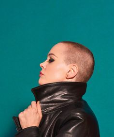BUST's December/January Issue Featuring Rose McGowan Is On ...