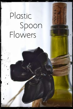 Make Plastic Spoon Flowers Tutorial Plastic Spoon Art, Plastic Spoons, Reuse Plastic Bottles, Flower Tutorial, Halloween Ideas, Spoonflower, Dyi, Fun Stuff, Repurposed