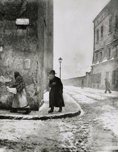 Roman Vishniac, Isaac Street, Cracow, 1938  Gelatin silver print by nita