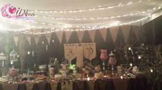 Mesa de dulces con iluminacion