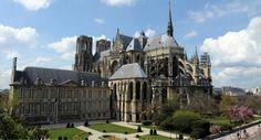 Reims, incoronazioni leggendarie e ottimo Champagne Champagne, Location Camping Car, Rando, Belle Photo, Photos, Mansions, House Styles, Building, France