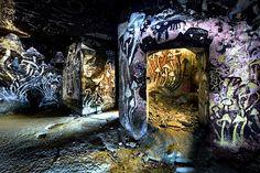 Paris underground tunnels and catacombs Graffiti Art, Underground Paris, Places Around The World, Around The Worlds, Pet Cemetery, Traditional Japanese Art, Light Architecture, Art World, Beautiful World