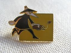 Vintage RARE Spy vs. Spy Pin by VintageByThePound on Etsy