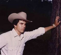 My favortite music is in spanish on e of my favorite is corridos and my favorite of this genre is Chalino Sanchez