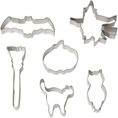 R & M International Gift Boxed Set of Halloween Cookie Cutters with Vintage Graphics and Shapes - Set includes Six Cookie Cutters: Flying Witch Pumpkin Cat Bat Broom and Owl Approximately Halloween Cookie Cutters, Halloween Cookies, Halloween Home Decor, Halloween House, Flying Witch, Baking Accessories, Cookie Cutter Set, Cute Cookies, Trick Or Treat
