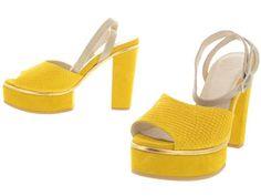 Schoenen - Shoe Shi Bar: Nuno Gold | Paar Shoe, Bar, Sandals, Yellow, Heels, Gold, Fashion, Heel, Moda