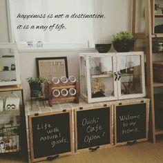 カラーボックスは安価に手に入る収納家具。基本的な形があり手を加えやすいので、リメイクにとっかかりやすい素材です♡というわけで、おうちの必要にぴったり合ったオシャレ収納家具に変身した、皆さんの驚きのカラーボックス・アイデアリメイク術をご紹介します☆