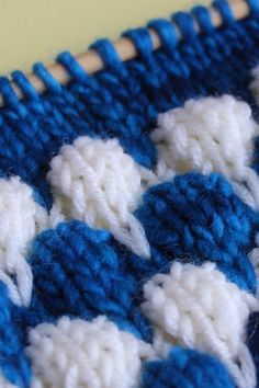 This Bubble Knit Stitch Pattern is three dimensional has a lot of texture and is totally addictive to knit up! You can create this Bubble Knit Pattern into a wide variety of creative fashion projects like scarves cowls hats and shawls. Beanie Knitting Patterns Free, Knitting Videos, Baby Knitting Patterns, Knitting Designs, Free Knitting, Knitting Projects, Stitch Patterns, Crochet Patterns, Knitting Machine