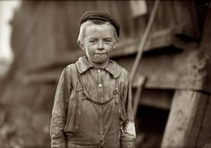 Lonnie Cole, age Birmingham AL, November Lonnie worked in a textile mill and was photographed by Lewis Wickes Hine for the National Child Labor Committee. Lonnie never married and died in Birmingham in 1975 at the age of Photos Du, Old Photos, Lewis Hine, Wisconsin, Interesting History, The Good Old Days, Vintage Pictures, Vintage Photographs, Historical Photos